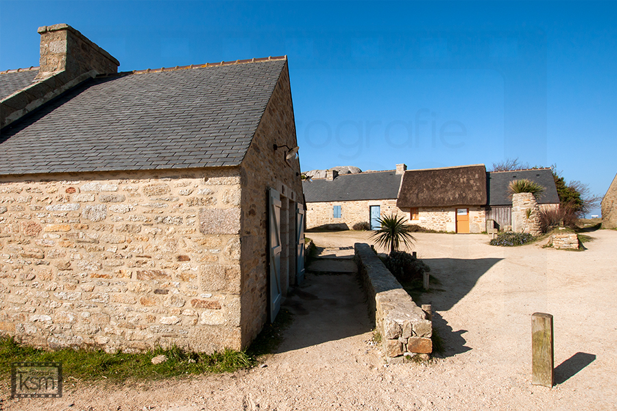 Fotografie Siedlung - Leucht(S)turm - Bretagne - Copyright by ksm-fotografie